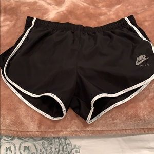 new never worn - Nike Dry fit shorts Size Large